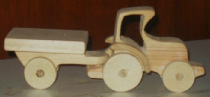 Деревянная игрушка трактор с прицепом - 23 Октября 2013 - Блог - Игрушки и поделки своими руками